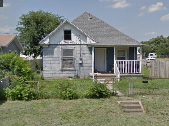 1601 W Lynn Street, Springfield, MO 65802 (MLS #60136770) :: Sue Carter Real Estate Group