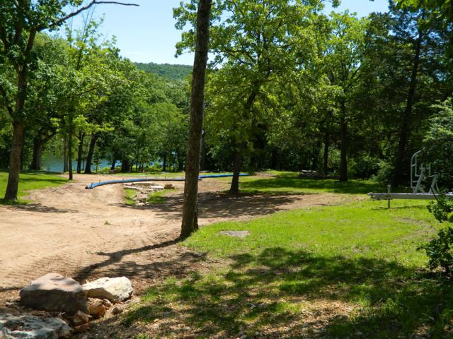 18 Oak Shadow Drive, Kimberling City, MO 65686 (MLS #60137303) :: Sue Carter Real Estate Group