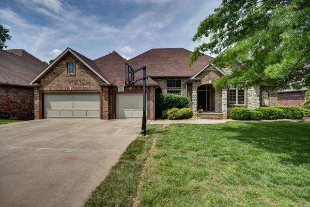 1521 E Wood Oaks, Springfield, MO 65804 (MLS #60137395) :: Sue Carter Real Estate Group