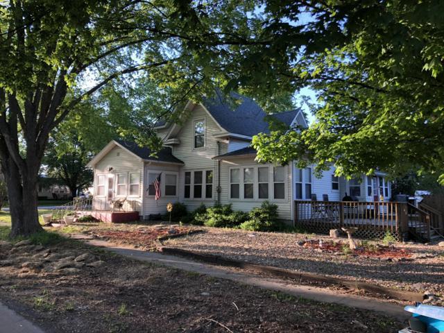 202 E Meadow Avenue, Crane, MO 65633 (MLS #60137464) :: Sue Carter Real Estate Group