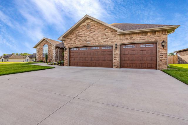 5612 S Cottonwood Drive, Battlefield, MO 65619 (MLS #60137563) :: Massengale Group