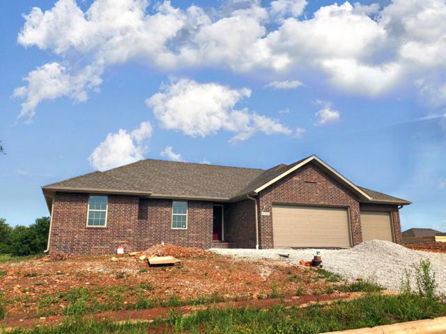1347 S Strasbourg Avenue, Springfield, MO 65802 (MLS #60137912) :: Sue Carter Real Estate Group