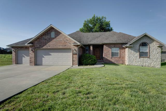 3705 N Croswell Avenue, Springfield, MO 65803 (MLS #60137931) :: Massengale Group