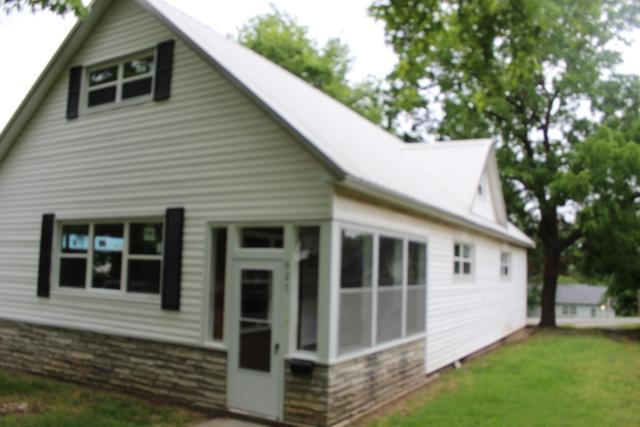 627 N Pearl, Joplin, MO 64801 (MLS #60137946) :: Sue Carter Real Estate Group