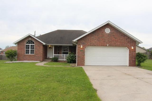 940 Woodhurst Drive, Marshfield, MO 65706 (MLS #60139568) :: Team Real Estate - Springfield