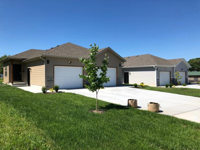 1826 E Walnut Street, Springfield, MO 65802 (MLS #60139708) :: Sue Carter Real Estate Group