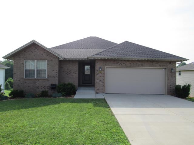 1918 N Seabrook Drive, Nixa, MO 65714 (MLS #60140056) :: Sue Carter Real Estate Group