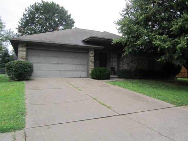 1305 W Lindberg Street, Springfield, MO 65807 (MLS #60140206) :: Sue Carter Real Estate Group