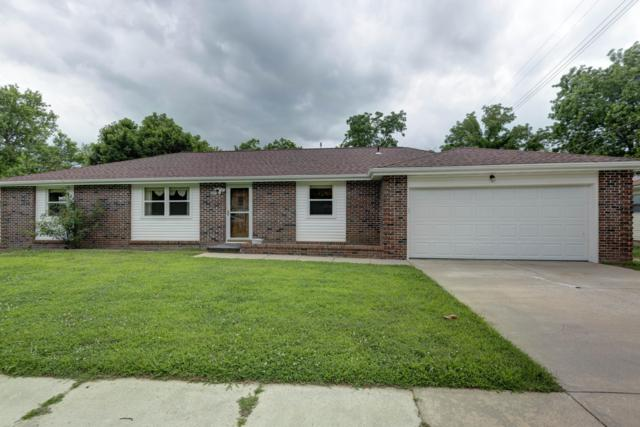 207 E Meadow Avenue, Crane, MO 65633 (MLS #60140209) :: Team Real Estate - Springfield