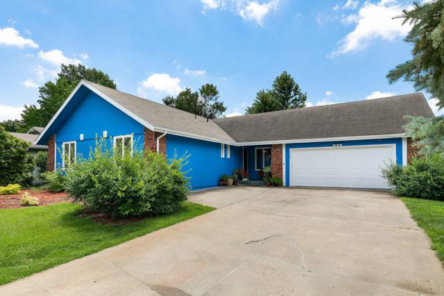 1360 E Woodgate Street, Springfield, MO 65804 (MLS #60140453) :: Sue Carter Real Estate Group