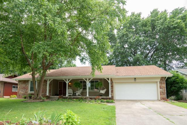 2118 E Meadow Drive, Springfield, MO 65804 (MLS #60141310) :: Sue Carter Real Estate Group