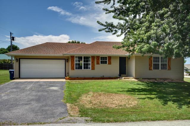213 Dean Street, Sparta, MO 65753 (MLS #60141312) :: Sue Carter Real Estate Group