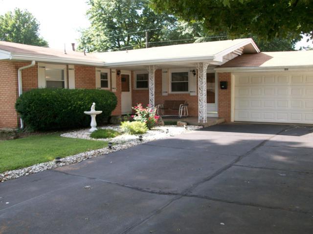 1050 E Edgewood Street, Springfield, MO 65807 (MLS #60141419) :: Sue Carter Real Estate Group
