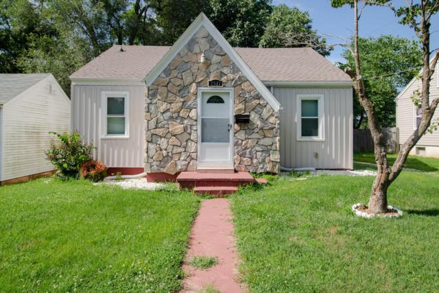 2517 W Walnut Street, Springfield, MO 65806 (MLS #60141589) :: Sue Carter Real Estate Group