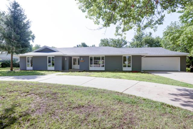 2810 E Southern Hills Boulevard, Springfield, MO 65804 (MLS #60141619) :: Sue Carter Real Estate Group