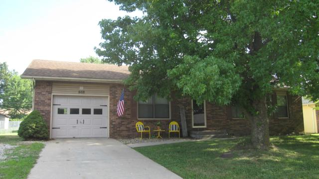 608 E Dyann Dr, Nixa, MO 65714 (MLS #60141627) :: Sue Carter Real Estate Group