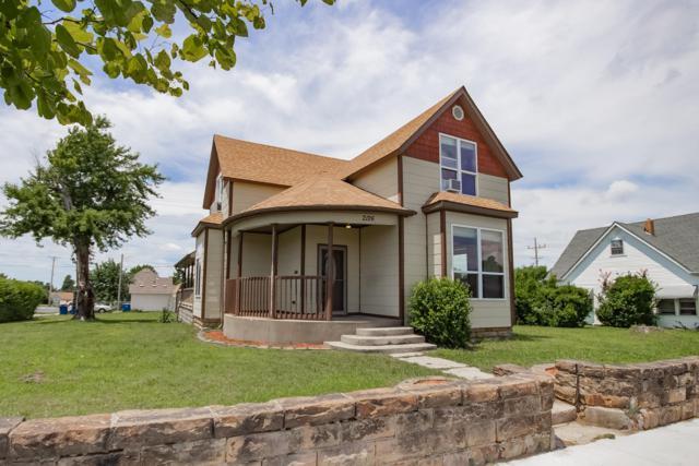 2126 S Pearl Avenue, Joplin, MO 64804 (MLS #60142333) :: Weichert, REALTORS - Good Life