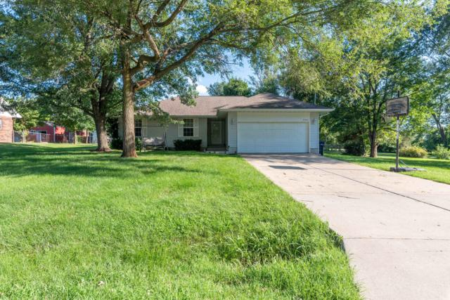 2006 W Sayer Drive, Springfield, MO 65803 (MLS #60142470) :: Sue Carter Real Estate Group