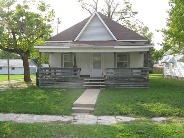 715 S Jefferson Avenue, Aurora, MO 65605 (MLS #60142486) :: Team Real Estate - Springfield