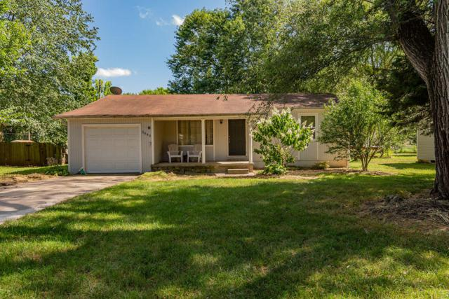 3040 W Lombard Street, Springfield, MO 65802 (MLS #60142528) :: Sue Carter Real Estate Group