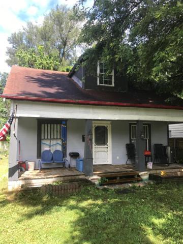 2217 N Kellett Avenue, Springfield, MO 65803 (MLS #60142832) :: Sue Carter Real Estate Group