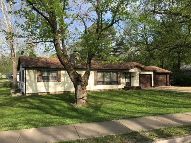 309 N Pine Street, Willow Springs, MO 65793 (MLS #60143122) :: Massengale Group