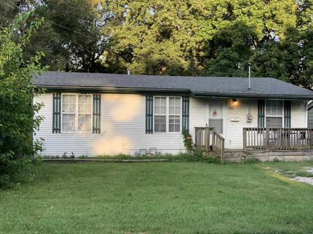 1136 N Warren Avenue, Springfield, MO 65802 (MLS #60143397) :: The Real Estate Riders