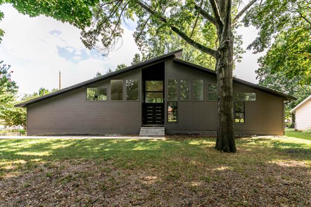 2732 E Crestview Street, Springfield, MO 65804 (MLS #60148252) :: Sue Carter Real Estate Group