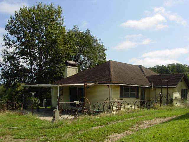 2709 Cave Springs Road, Galena, MO 65656 (MLS #60148753) :: Sue Carter Real Estate Group