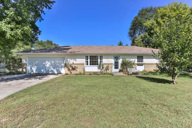 725 W Summit Street, Bolivar, MO 65613 (MLS #60149204) :: Team Real Estate - Springfield