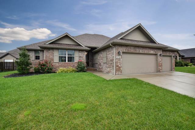 3783 W Stonehinge Drive, Springfield, MO 65807 (MLS #60149355) :: Sue Carter Real Estate Group
