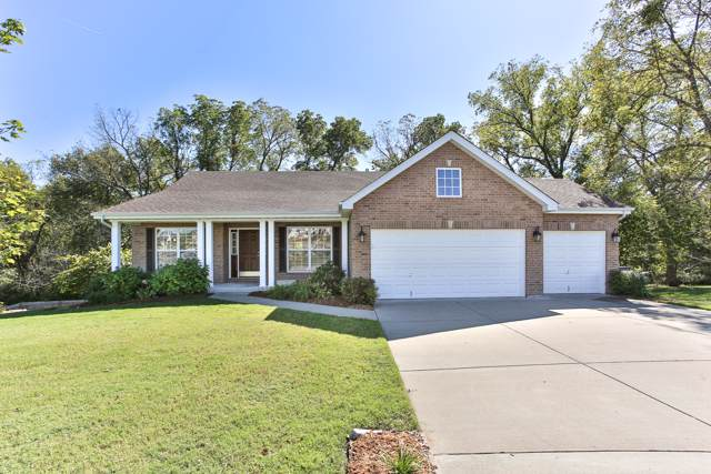 2184 W Deer Valley Court, Springfield, MO 65810 (MLS #60149363) :: Sue Carter Real Estate Group