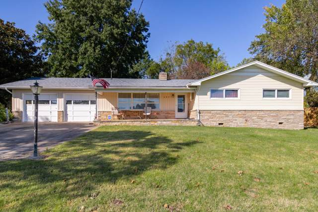 2841 N National Avenue, Springfield, MO 65803 (MLS #60149625) :: Weichert, REALTORS - Good Life