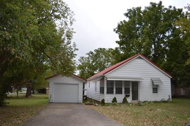 923 S Oak Avenue, Aurora, MO 65605 (MLS #60149791) :: Sue Carter Real Estate Group