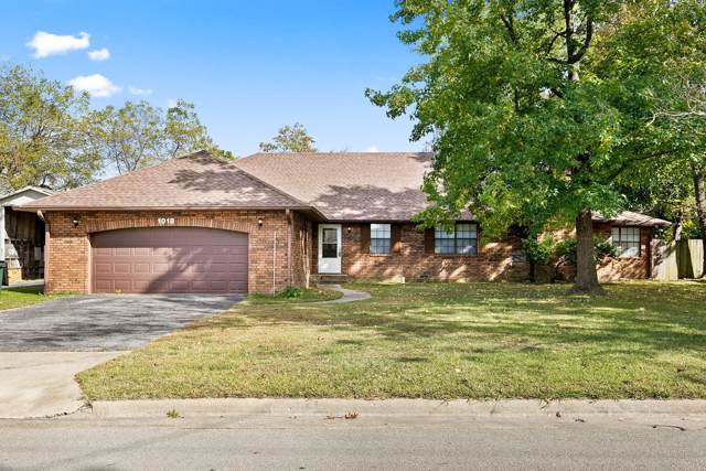 1018 S Lillian Avenue, Bolivar, MO 65613 (MLS #60149919) :: Weichert, REALTORS - Good Life
