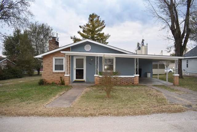 305 2nd St, Anderson, MO 64831 (MLS #60151185) :: Weichert, REALTORS - Good Life