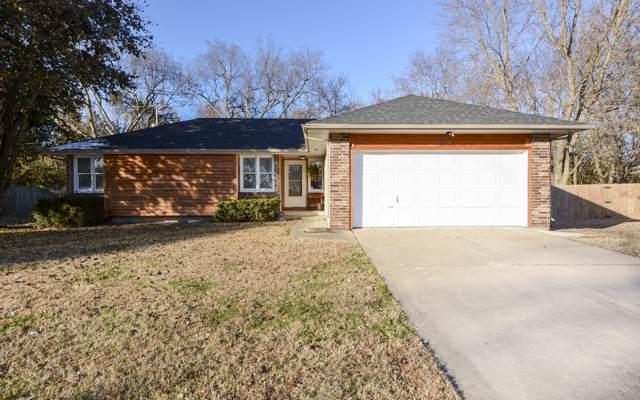 3415 W El Castile Street, Springfield, MO 65807 (MLS #60151700) :: Sue Carter Real Estate Group