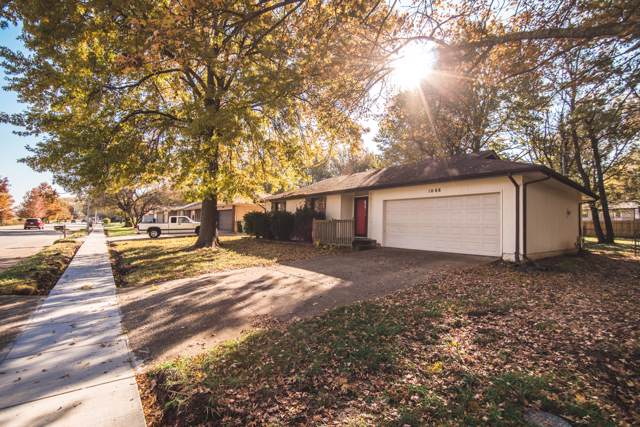1008 W Sunset Street, Springfield, MO 65807 (MLS #60151967) :: Sue Carter Real Estate Group