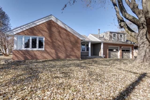 2053 S Fairway Avenue, Springfield, MO 65804 (MLS #60152085) :: Massengale Group