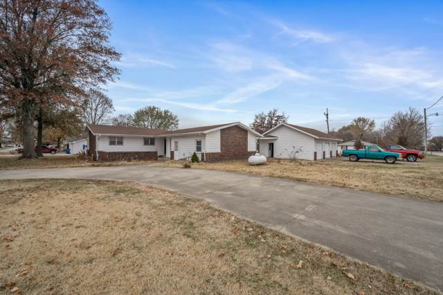 1511 W Olive Street, Bolivar, MO 65613 (MLS #60152100) :: Team Real Estate - Springfield