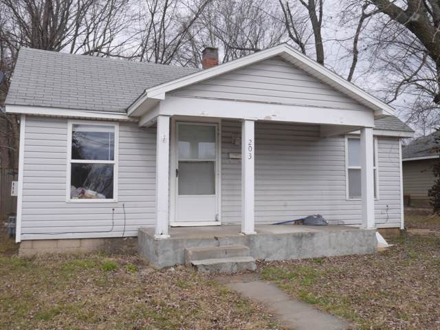203 E Tyndall Street, Aurora, MO 65605 (MLS #60152922) :: Sue Carter Real Estate Group