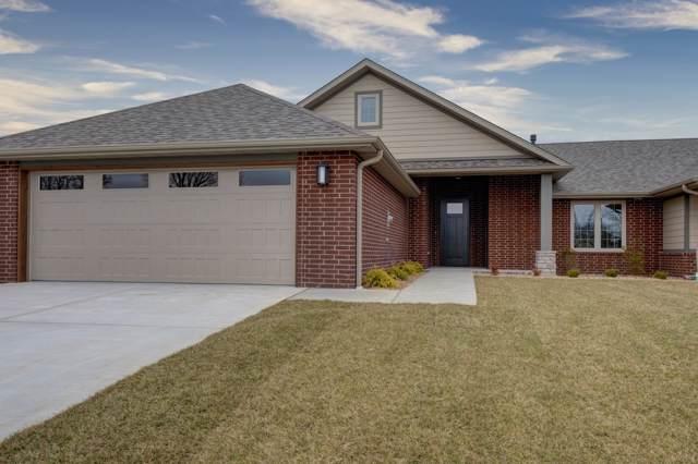 2422 E Swallow Street, Springfield, MO 65804 (MLS #60154686) :: Clay & Clay Real Estate Team