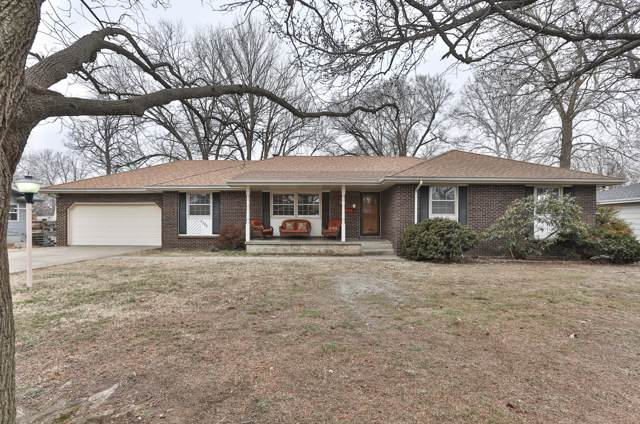 2725 S Luster Avenue, Springfield, MO 65804 (MLS #60156436) :: Clay & Clay Real Estate Team