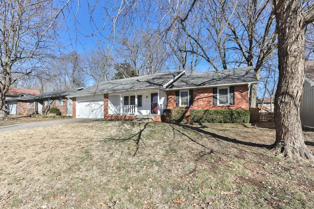 2140 S Wellington Avenue, Springfield, MO 65807 (MLS #60157877) :: Massengale Group