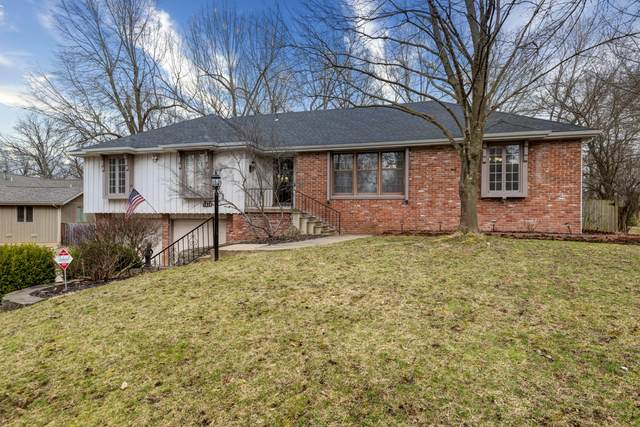 1428 S Forrest Heights Avenue, Springfield, MO 65809 (MLS #60158283) :: Weichert, REALTORS - Good Life