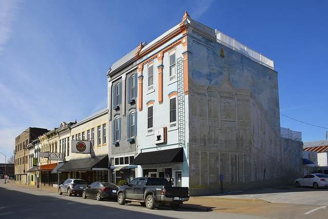127 E Cherry Street, Nevada, MO 64772 (MLS #60159026) :: Team Real Estate - Springfield