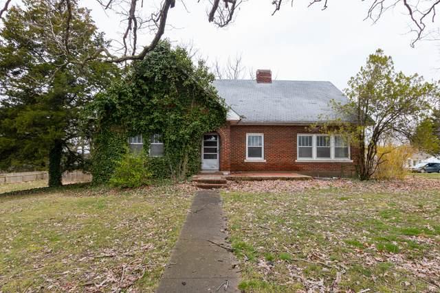 511 W Jackson Street, Marshfield, MO 65706 (MLS #60160124) :: Weichert, REALTORS - Good Life