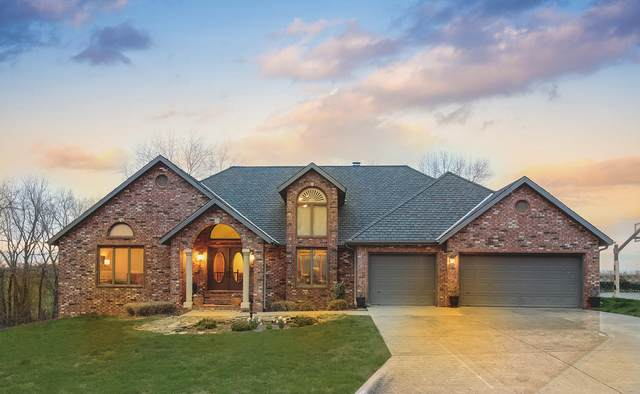 3711 Pleasant Valley Drive, Nixa, MO 65714 (MLS #60160288) :: Clay & Clay Real Estate Team