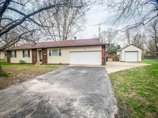 4207 W Sierra Street, Battlefield, MO 65619 (MLS #60160717) :: Clay & Clay Real Estate Team