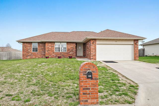 709 Lake Avenue, Clever, MO 65631 (MLS #60160742) :: Sue Carter Real Estate Group